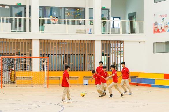Mở thêm đợt kiểm tra năng lực ngày 3-4 tại Royal School - Ảnh 5.
