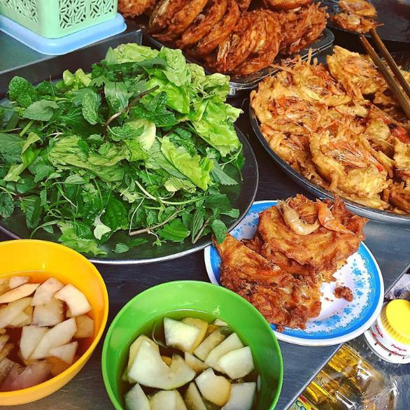 Sài Gòn cách Hà Nội 2 giờ bay và nỗi nhớ qua những món ăn - Ảnh 1.