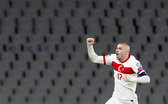 Yilmaz lập hat-trick, Thổ Nhĩ Kỳ lại 'làm gỏi' Hà Lan - Ảnh 4.
