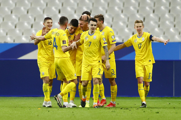 Pháp bị Ukraine cầm chân, Bồ Đào Nha thắng chật vật Azerbaijan - Ảnh 2.
