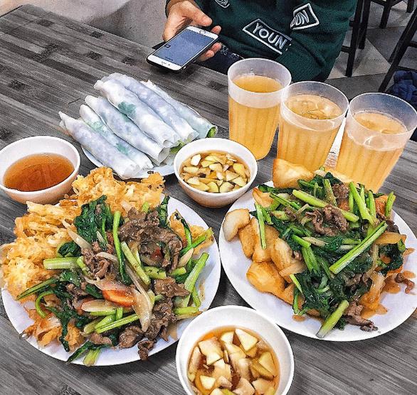 Sài Gòn cách Hà Nội 2 giờ bay và nỗi nhớ qua những món ăn - Ảnh 6.