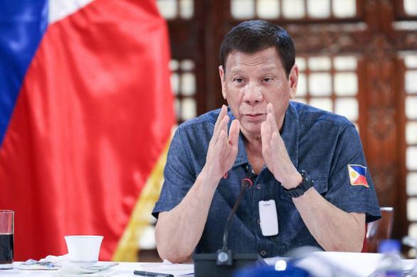 Ông Duterte 'nài nỉ' Trung Quốc: 'Hãy để cho ngư dân tôi đánh bắt cá kiếm cơm' - Ảnh 1.