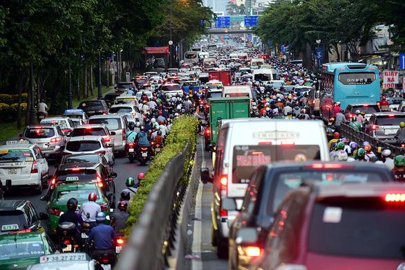 Các dự án giao thông ở cửa ngõ sân bay Tân Sơn Nhất triển khai tới đâu? - Ảnh 1.