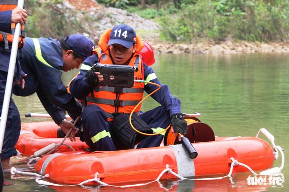 Quân đội, công an tiếp tục tìm kiếm 11 công nhân mất tích tại thủy điện Rào Trăng 3 - Ảnh 2.