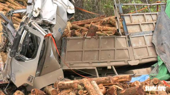 Khởi tố vụ án xe chở gỗ bị tai nạn làm 7 người chết ở Thanh Hóa - Ảnh 1.