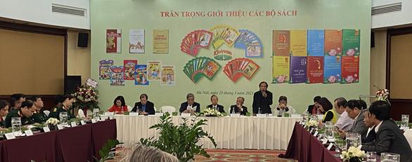 Chủ tịch Hội Nhà văn Việt Nam Nguyễn Quang Thiều: Mất 1 mùa văn hóa, mất 9 mùa người - Ảnh 1.
