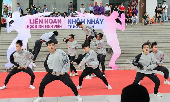 Lễ hội thanh niên đầu tiên tại TP.HCM: Không gian đa sắc màu tuổi trẻ - Ảnh 1.