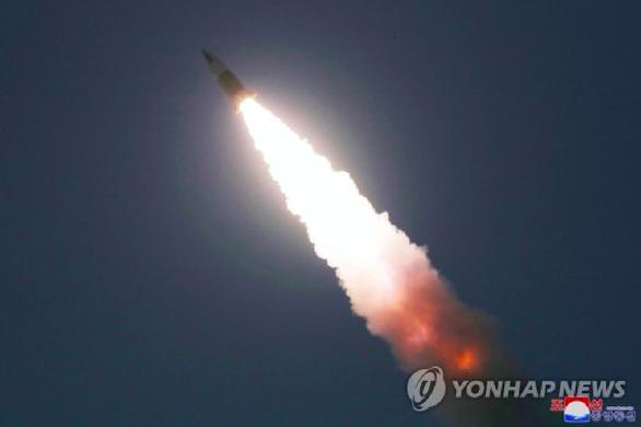 Nhật, Hàn, Mỹ: Một vật thể bay khỏi bán đảo Triều Tiên về hướng biển sáng 25-3 - Ảnh 1.