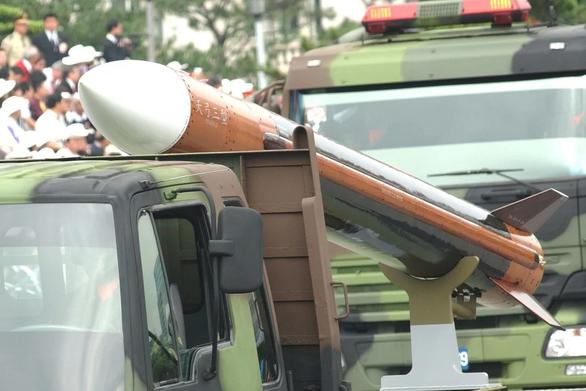 Đài Loan thừa nhận đang sản xuất nhiều tên lửa tầm xa - Ảnh 1.