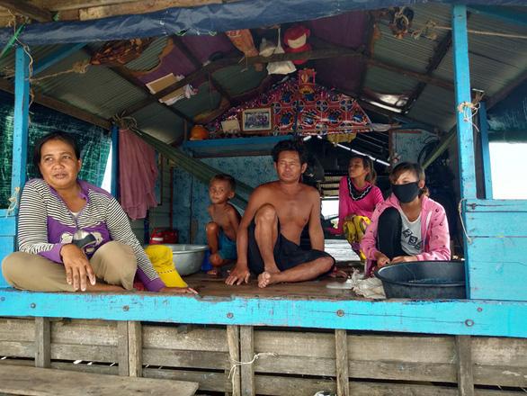 Dịch COVID-19 đến Biển Hồ, người gốc Việt lo lắng xin hỗ trợ - Ảnh 1.