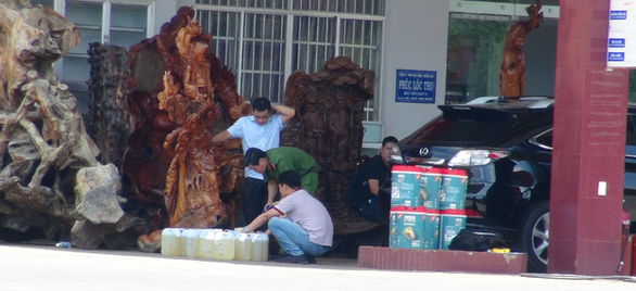 Phong tỏa, khám xét trạm xăng Phúc Lộc Thọ ở Bình Phước - Ảnh 1.