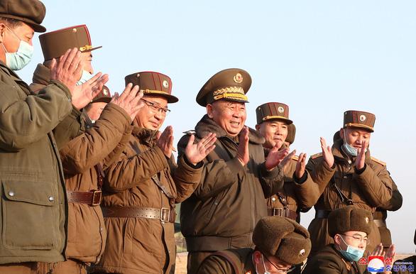 KCNA xác nhận phóng tên lửa chiến thuật, Mỹ lên án - Ảnh 2.