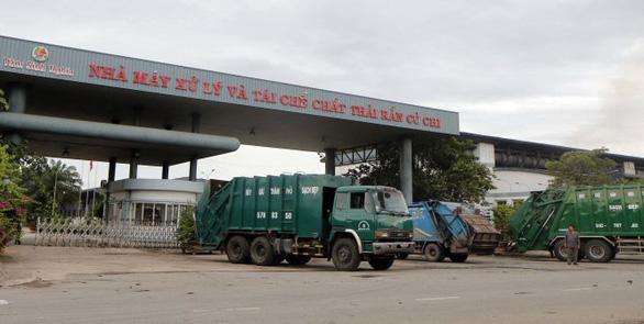 TP.HCM: 2 công ty xử lý rác phải dứt điểm việc chứa rác thải tồn trong nhà máy - Ảnh 1.