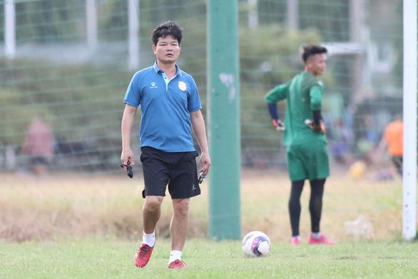 HLV trưởng CLB Nam Định lý giải dớp không thắng sân khách hơn 2 năm qua - Ảnh 1.
