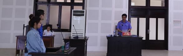Ra tòa vì tổ chức cho 27 người Trung Quốc nhập cảnh lậu ở 'chui' trong khách sạn - Ảnh 2.