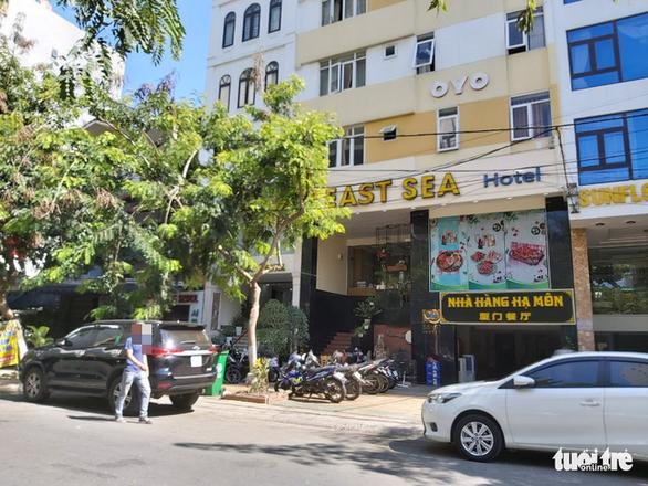 Ra tòa vì tổ chức cho 27 người Trung Quốc nhập cảnh lậu ở 'chui' trong khách sạn - Ảnh 1.