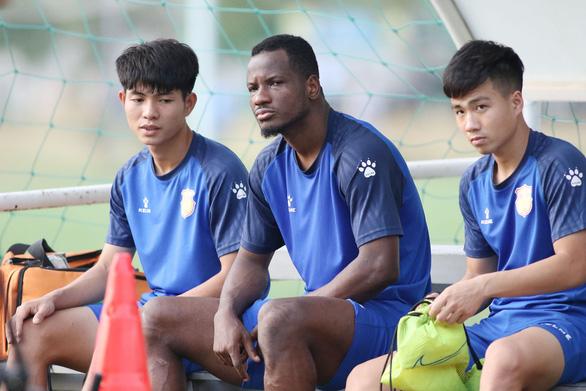 HLV trưởng CLB Nam Định lý giải dớp không thắng sân khách hơn 2 năm qua - Ảnh 2.