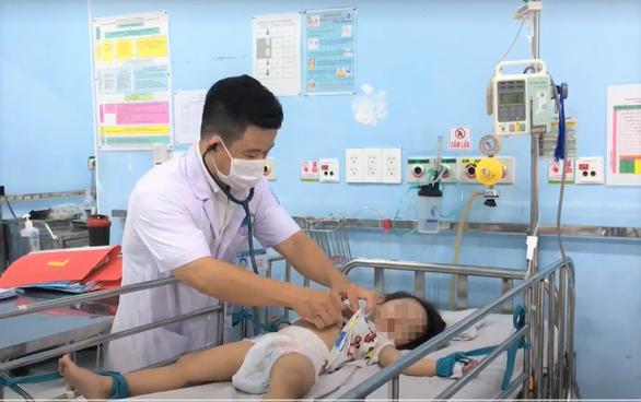 TP.HCM: Bệnh tay chân miệng tăng rất nhanh, 21/24 quận, huyện ở mức báo động - Ảnh 1.