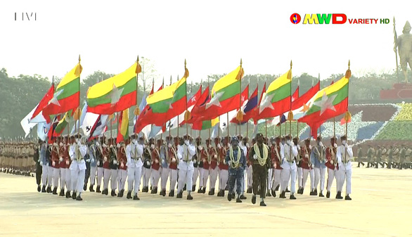 Lãnh đạo quân đội Myanmar hứa có bầu cử dân chủ, bảo vệ dân - Ảnh 5.