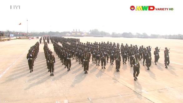 Lãnh đạo quân đội Myanmar hứa có bầu cử dân chủ, bảo vệ dân - Ảnh 8.