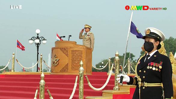 Lãnh đạo quân đội Myanmar hứa có bầu cử dân chủ, bảo vệ dân - Ảnh 6.