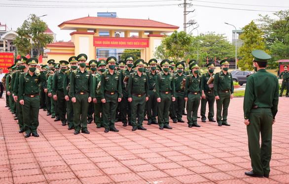 70 chiến sĩ Biên phòng Hải Phòng lên đường chi viện biên giới Tây Nam chống COVID-19 - Ảnh 1.