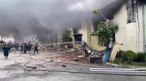 Cháy lớn tại nhà máy may xuất khẩu ở Thanh Hóa - Ảnh 2.