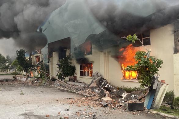 Cháy lớn tại nhà máy may xuất khẩu ở Thanh Hóa - Ảnh 1.