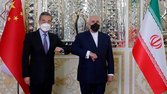 Trung Quốc - Iran ký thỏa thuận hợp tác 25 năm - Ảnh 1.