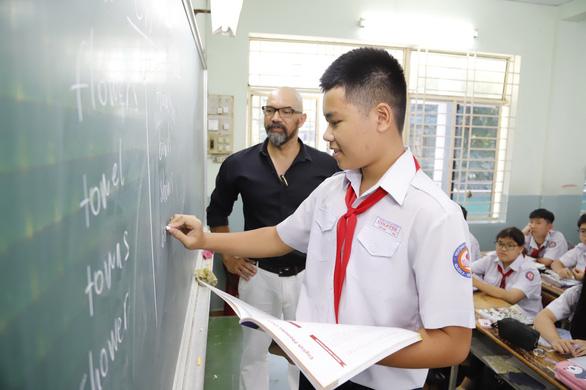 Thi vào lớp 10 tại TP.HCM: Tăng tốc luyện thêm môn tiếng Anh - Ảnh 1.