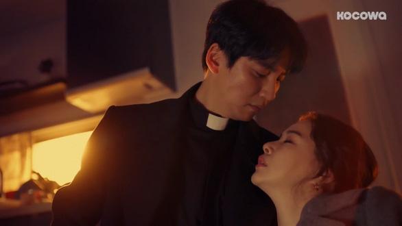 Hoa hậu Lee Ha Nee: Chị đại quyến rũ trong Bộ ba phá án - Ảnh 4.