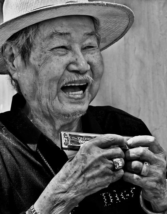 Những nụ cười nhiều cảm xúc của Trần Thế Phong - Ảnh 6.