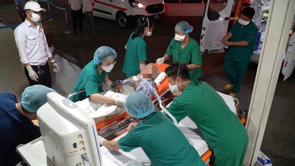 Giám đốc Bệnh viện Chợ Rẫy: Dù khỏi COVID-19 nhưng bệnh nhân 1536 vẫn còn rất nặng - Ảnh 2.