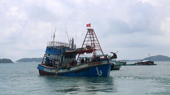 Nhập cảnh trái phép vì đi đò từ Campuchia về Phú Quốc chỉ khoảng 5km - Ảnh 1.