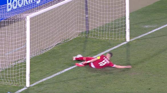 Ronaldo bị cướp bàn thắng phút 90+3, Bồ Đào Nha mất 2 điểm quý giá - Ảnh 1.