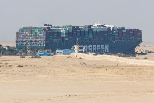 Tổng thống Ai Cập: Đã giải cứu thành công tàu Ever Given kẹt ở kênh Suez - Ảnh 2.