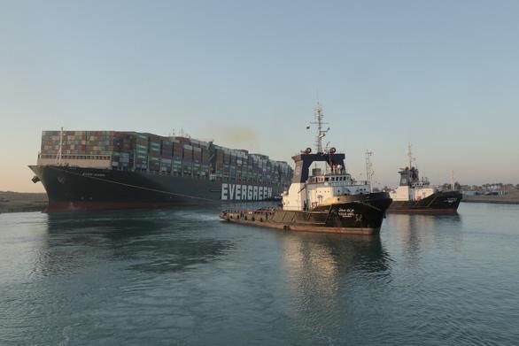 Toàn cảnh vụ giải cứu tàu container gây tắc nghẽn kênh đào Suez - Ảnh 5.