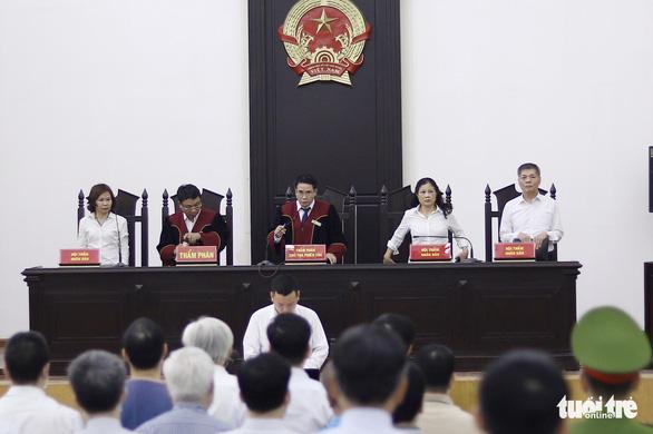Gây thất thoát hơn 437 tỉ, cựu chủ tịch GPBank lãnh 9 năm tù - Ảnh 2.