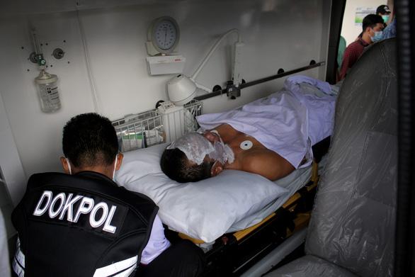 Indonesia bắt hàng chục tay súng Hồi giáo sau vụ đánh bom liều chết ở nhà thờ - Ảnh 2.