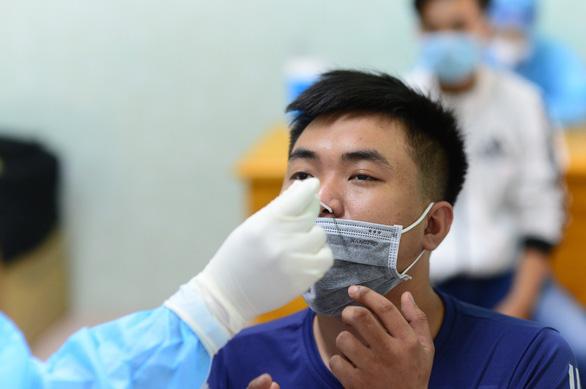 Chiều 29-3: Thêm 3 người nhập cảnh ở TP.HCM, Tây Ninh mắc COVID-19 - Ảnh 1.