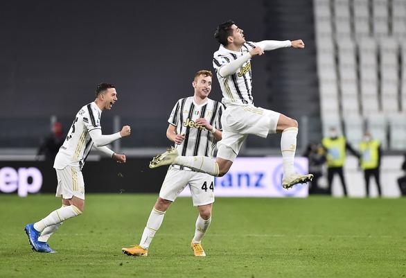 Ronaldo ghi bàn, Juventus tiếp tục bám đuổi hai đội bóng thành Milan - Ảnh 1.