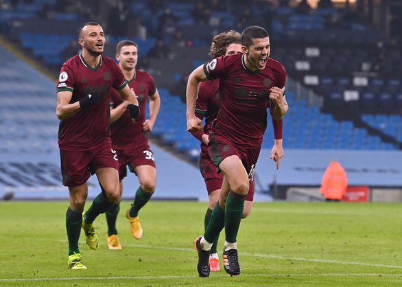 Man City mạnh mẽ san bằng các chướng ngại, thắng trận thứ 21 - Ảnh 2.