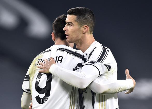 Ronaldo ghi bàn, Juventus tiếp tục bám đuổi hai đội bóng thành Milan - Ảnh 3.
