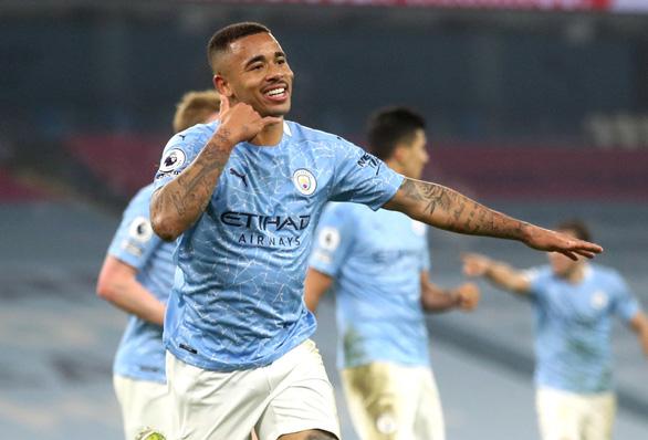 Man City mạnh mẽ san bằng các chướng ngại, thắng trận thứ 21 - Ảnh 3.