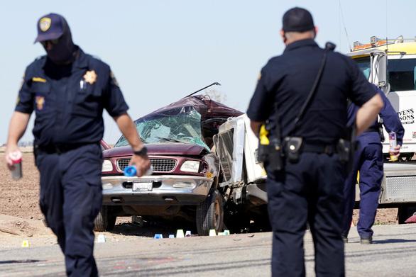 NÓNG: Tai nạn giao thông làm thiệt mạng ít nhất 14 người - Ảnh 1.