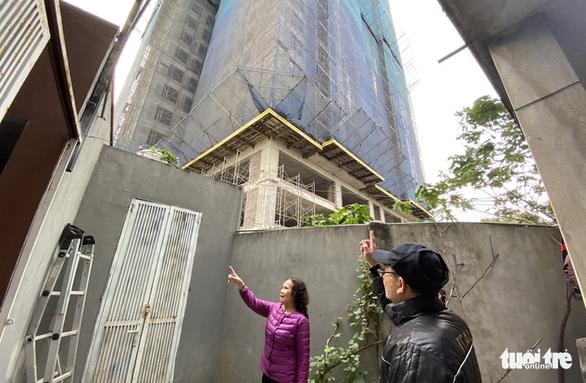 Thi công chung cư cao hơn 20 tầng, hàng loạt nhà dân nứt toác - Ảnh 4.