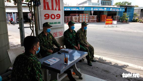 Người lính quân hàm xanh căng mình nơi biên giới Tây Nam cho dân yên giữa đại dịch - Ảnh 4.