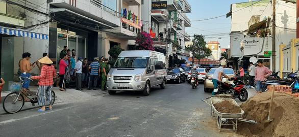 Nhóm người đi xe biển số TP.HCM đụng nhóm ở Cần Thơ, có nổ súng - Ảnh 1.