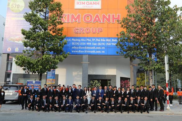 Kim Oanh Group tài trợ tiêm vaccine COVID-19 cho cán bộ nhân viên và gia đình - Ảnh 2.