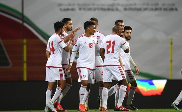 Vùi dập Ấn Độ 6-0, tuyển UAE gửi tin nhắn tới ông Park - Ảnh 1.